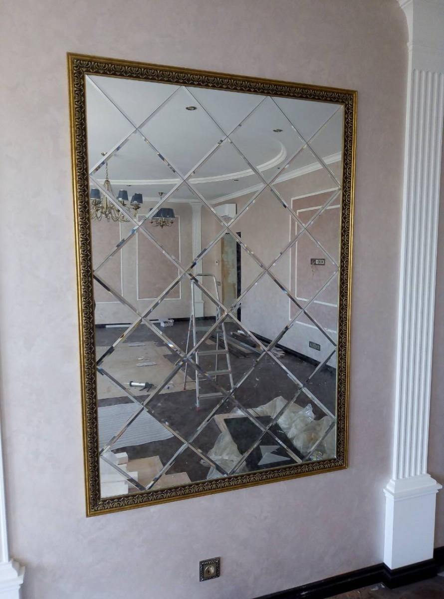 Какие применить фотообои под квадратное зеркало